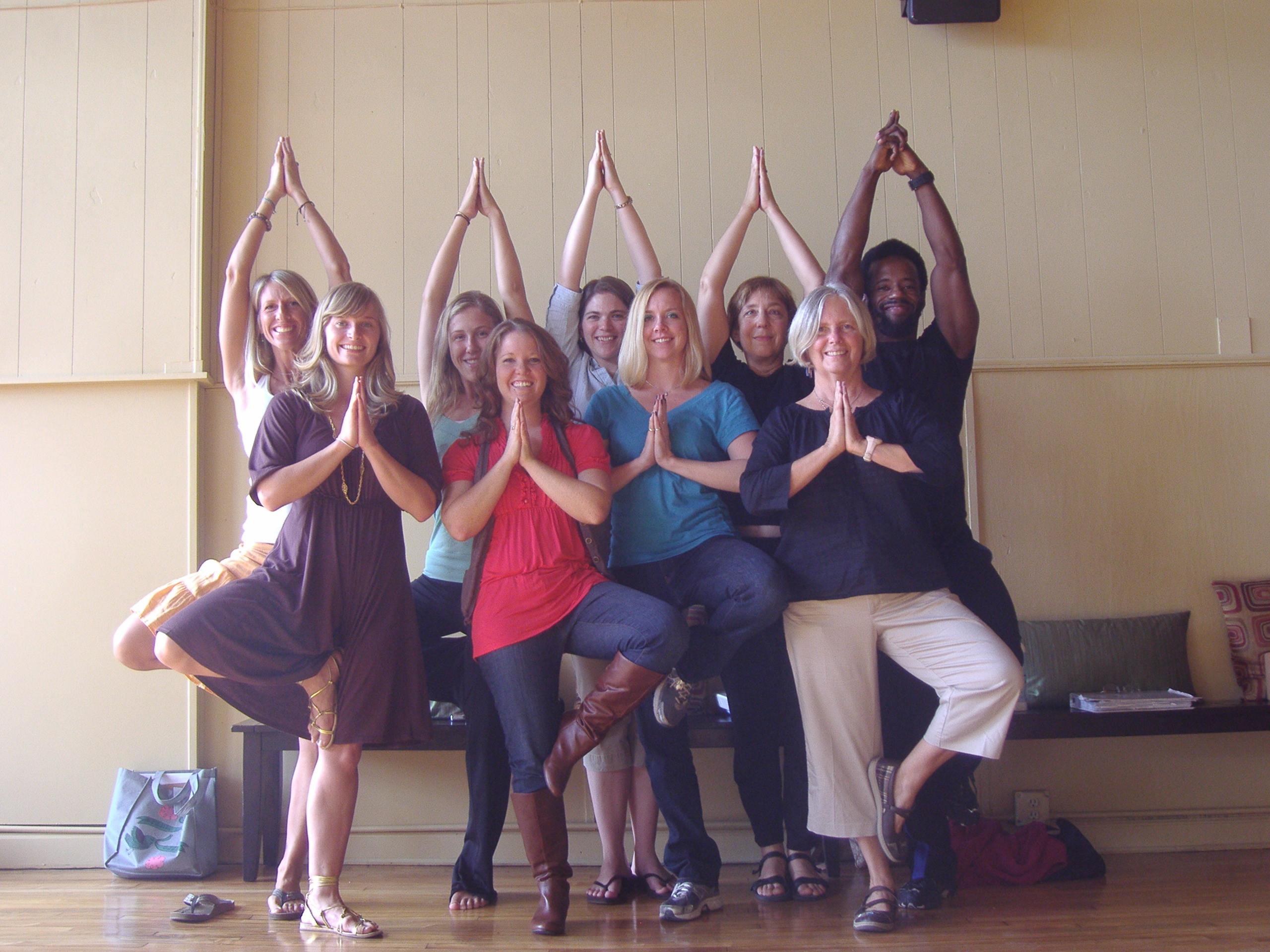 200 Hour Yoga Teacher Training - Registered Yoga School , Online
